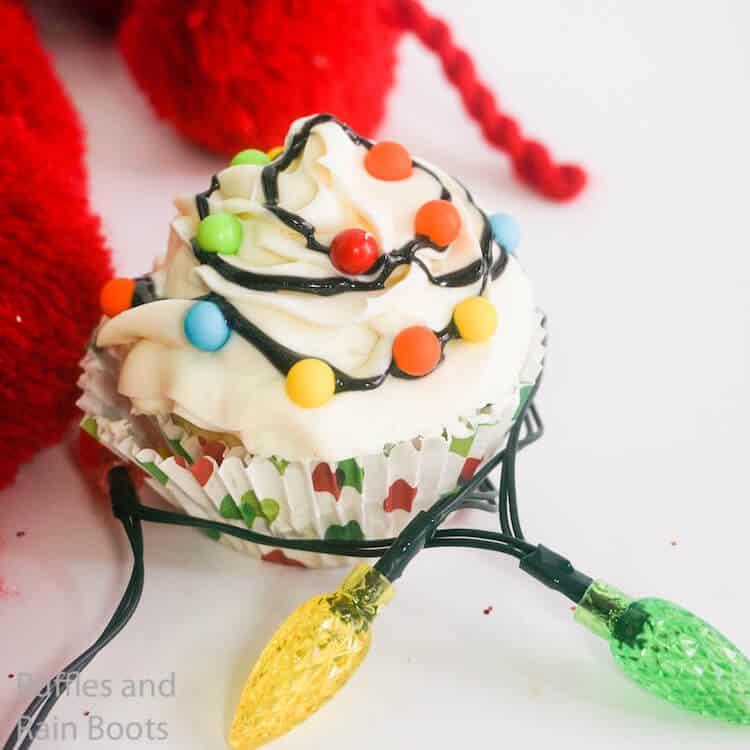 how to make christmas lights cupcakes