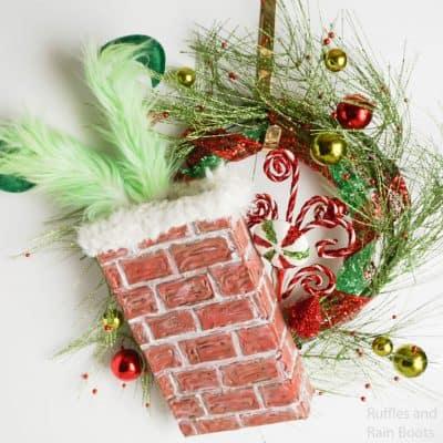 Make This Cute Grinch Wreath for a Fun Christmas Wreath!