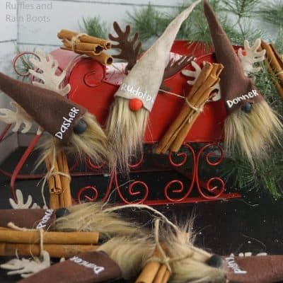 You Will Love This Reindeer Gnome Garland for Christmas