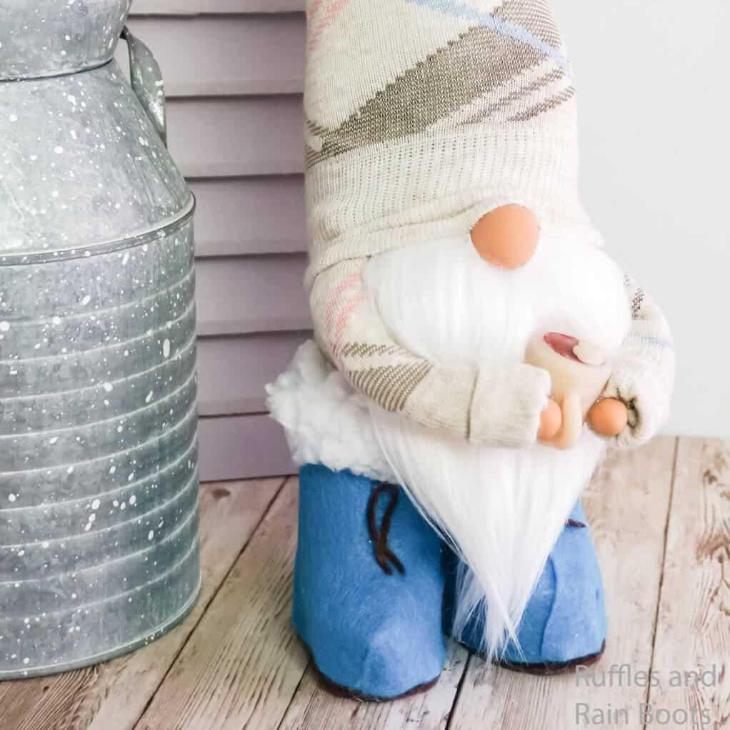 easy farmhouse gnome for spring