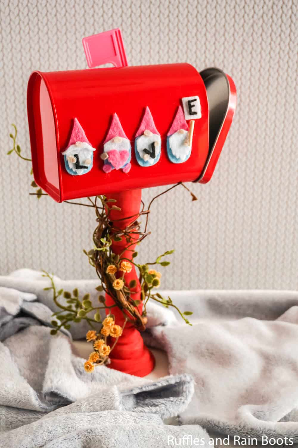 easy school valentine mailbox craft with cricty
