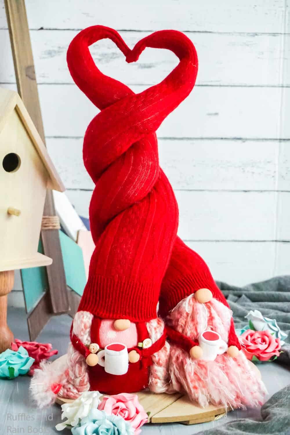 how to make a gnome with a hat twisted into a heart