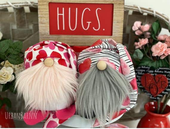 Slouchy Hearts Valentine's Day Gnomes