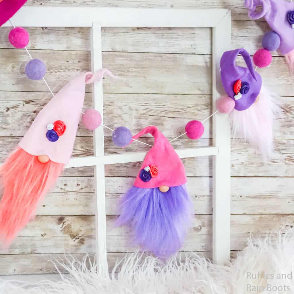 make this gnome garland for valentines