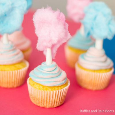 Make these Easy Cotton Candy Cupcakes in Minutes!