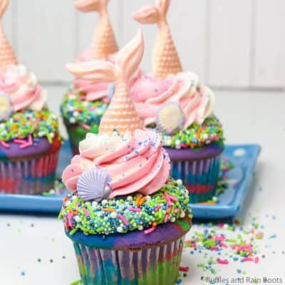 These Easy Mermaid Cupcakes are Perfect for a Mermaid Party!