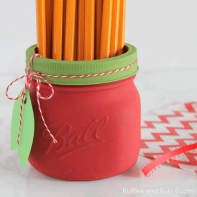 Easy Apple Mason Jar Craft Kids Can Make!