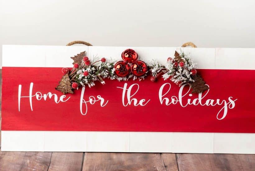 DIY wood sign holiday craft for cricut